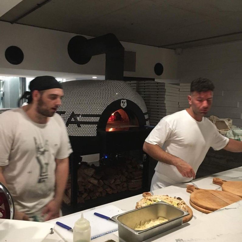 society-pizza-opening-pizziaolo